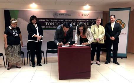 Sánchez and Garrard sign the historic agreement between Puebla High Court (TSJ) and LLILAS Benson