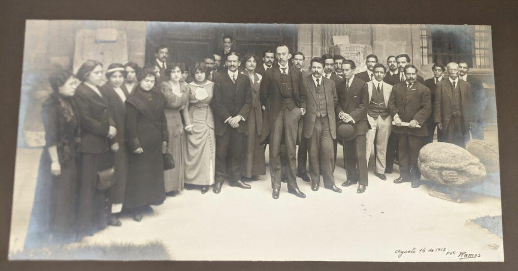 Genaro García (center) with museum staff, Museo Nacional de Historia, Arqueología y Etnología, Aug. 15, 1913